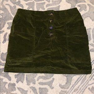 Button, pocket skirt
